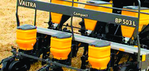 Implementos e máquinas agrícolas